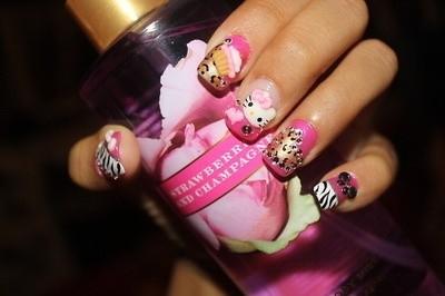 ideas para decorar uñas hello kitty dulces