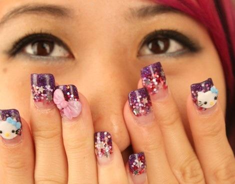 ideas para decorar uñas hello kitty purpurina